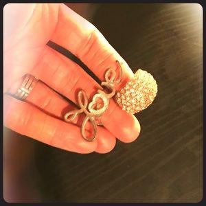 2 rhinestone rings